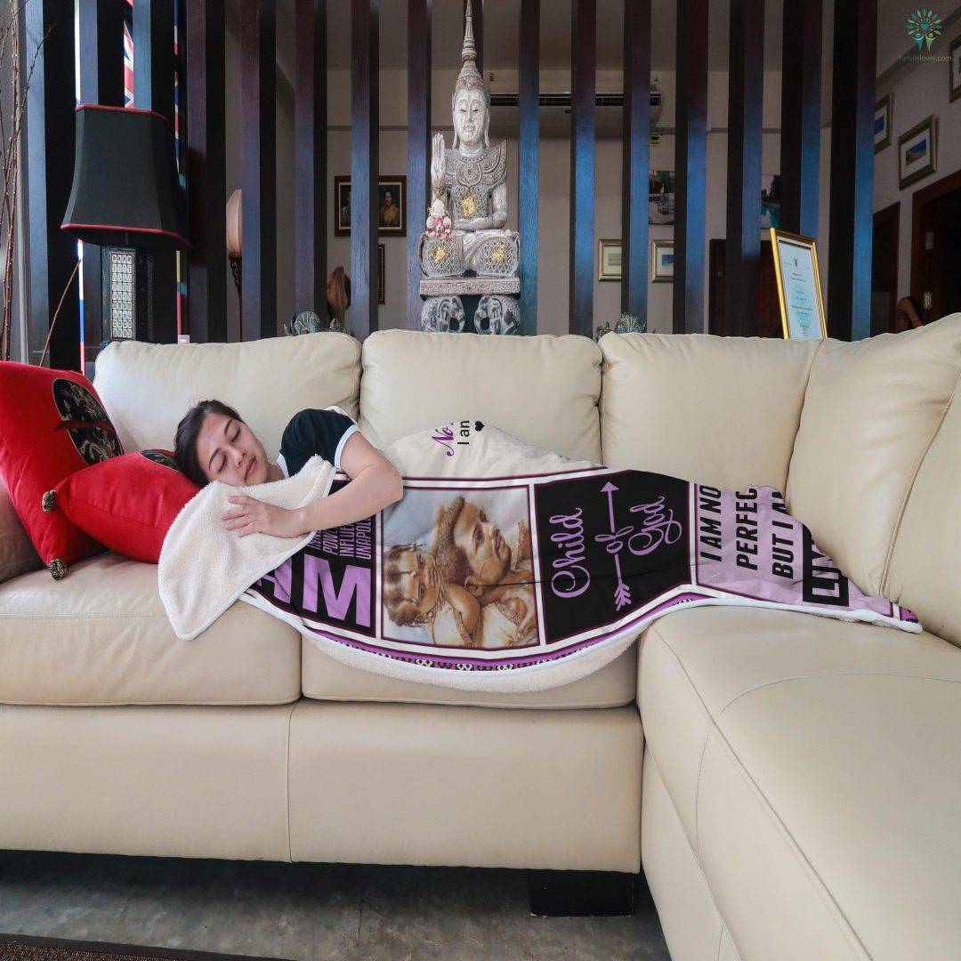 To My Daughter Never Feel That You Are Alone Love Dad Sherpa Fleece Blanket Familyloves.com