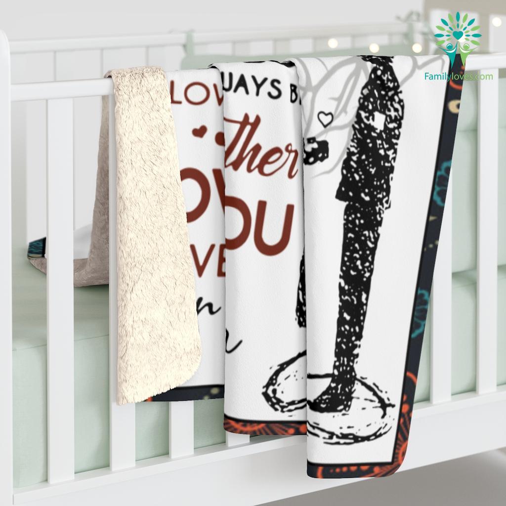 To My Mom I Know It's Not Easy For A Woman To Raise A Man Love Your Son Sherpa Fleece Blanket Familyloves.com